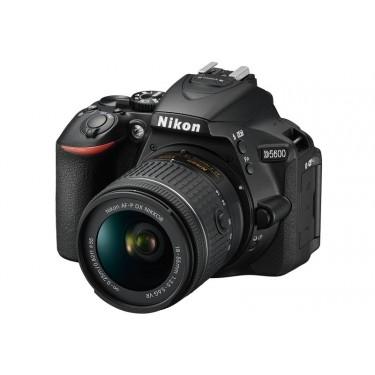 Fotocamera D5600 + AF-P 18-55mm VR + GARANZIA 2 ANNI ASSISTENZA IN ITALIA +