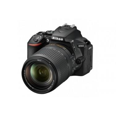 Fotocamera D5600 + AF-S 18-140mm VR + GARANZIA 2 ANNI ASSISTENZA IN ITALIA +